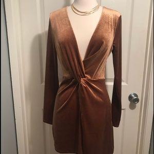 Dresses & Skirts - Velvet Hollywood Style Dress M Nwt